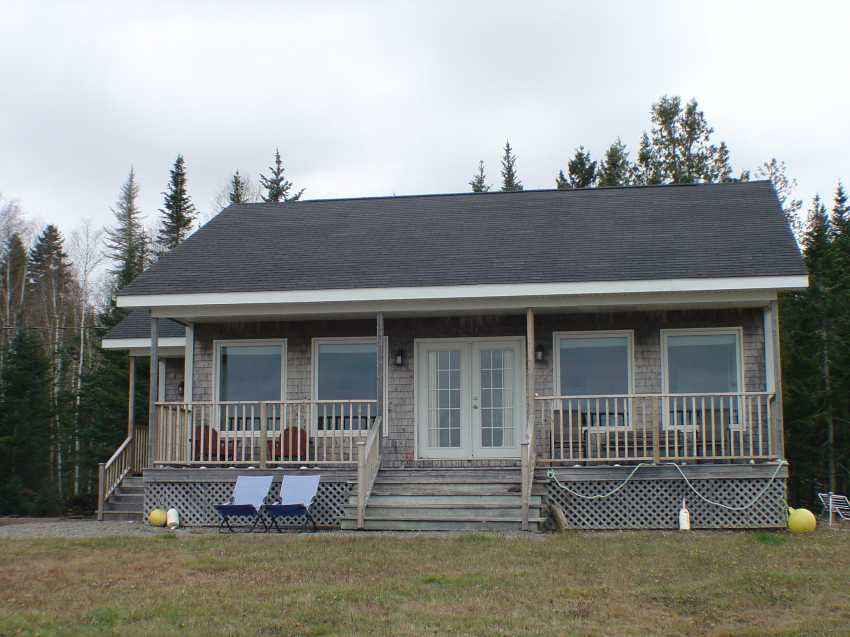 <h3>$750<small> Weekly</small></h3><p>Langmaid Lane Cottage, Chamcook, New Brunswick</p>