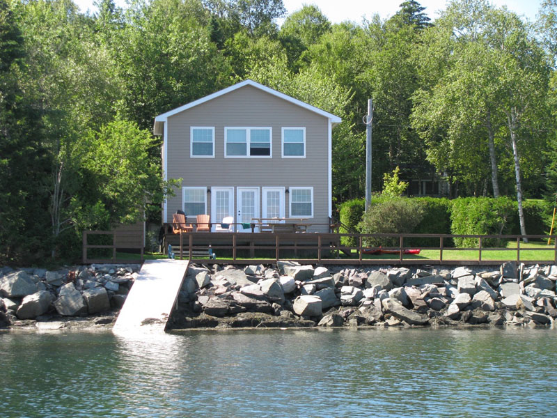 <h3>$1,450<small> Weekly</small></h3><p>Birch Cove Cottage, Birch Cove, New Brunswick</p>