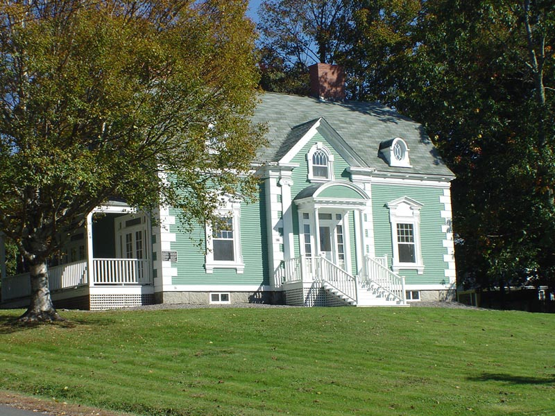 <h3>$2,275<small> Weekly</small></h3><p>106 Parr St, Saint Andrews, New Brunswick</p>